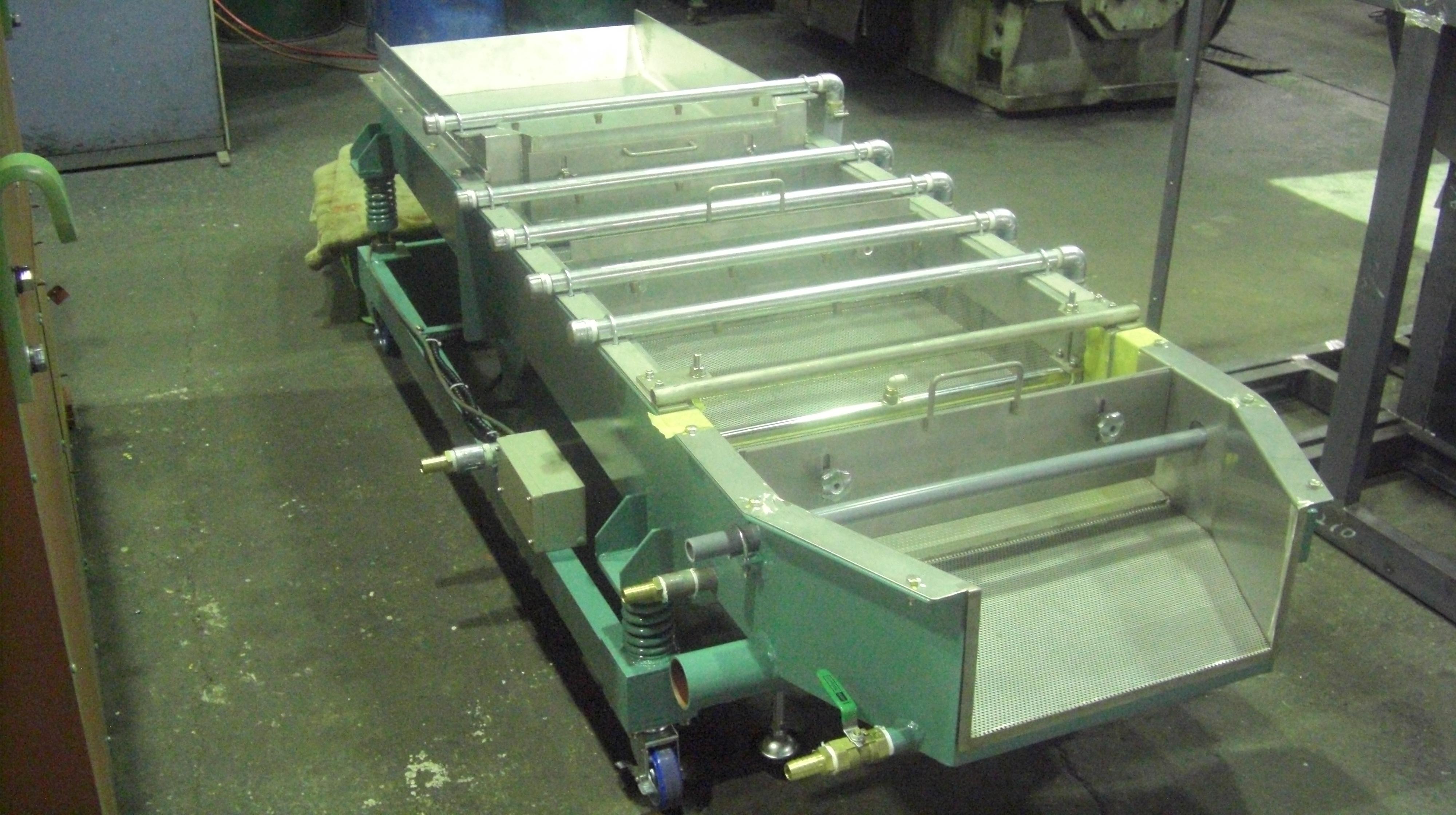 振動洗浄防錆選別機 3段式 遠心バレル機TAB-304型接続用