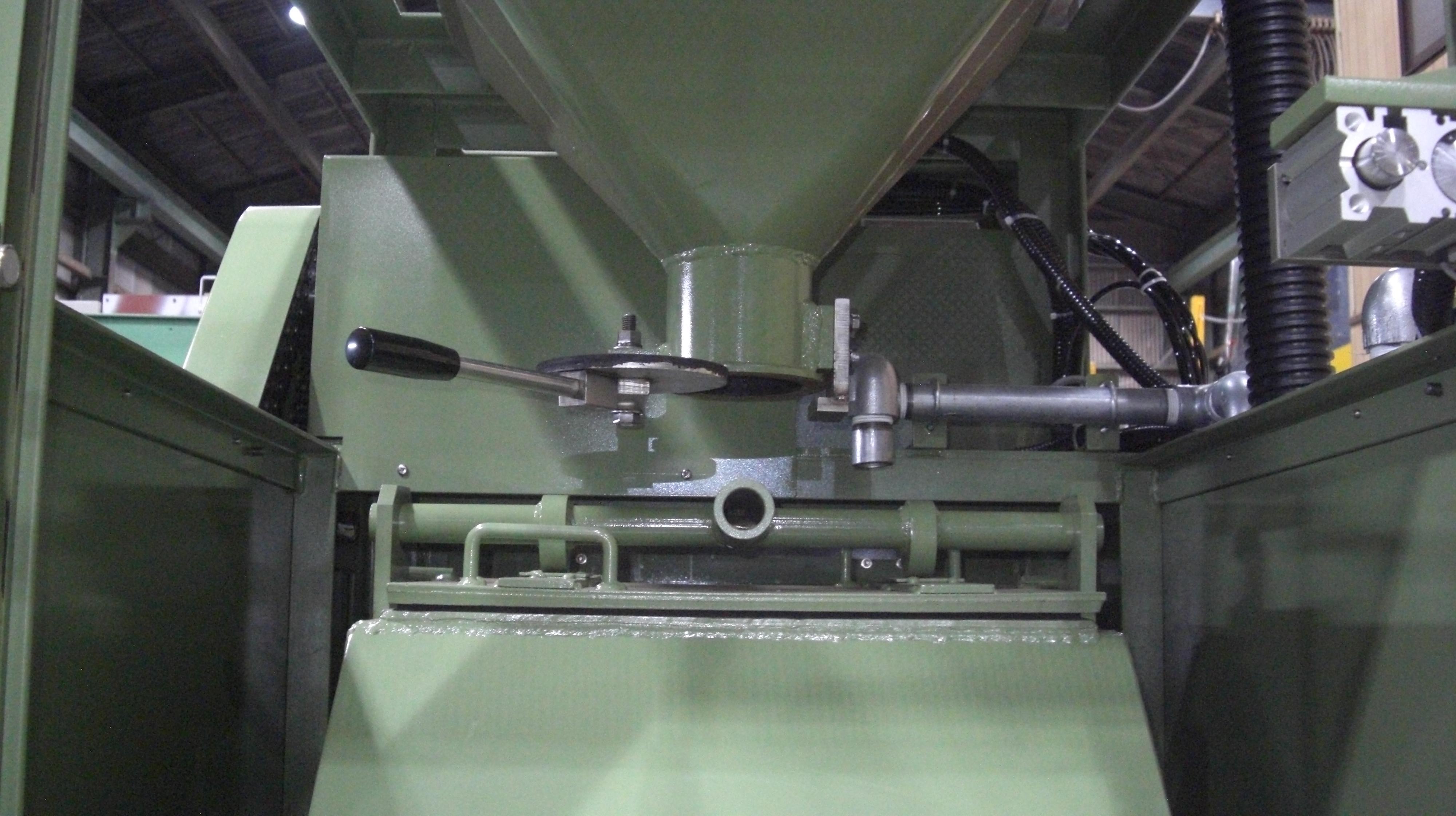 回転バレル研磨機 TK-200型 ブロアー式投入機付き